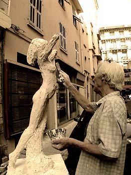 Création d'une statue en plâtre