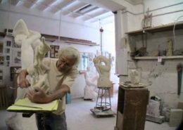 """Dans l'atelier : l'artiste et """"La Genèse"""""""