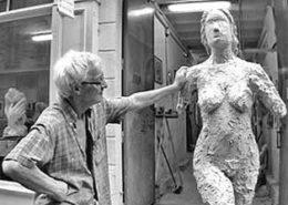 """""""La Terre"""" sculpture en plâtre"""