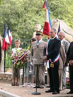 La cérémonie du 15/08/2008 devant le monument de Claviers