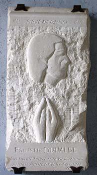 La stèle de Paulette Duhalde. Musée du Château, Flers.