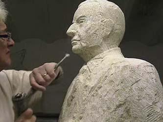 Le profil du visage de la statue : Octobre 2008