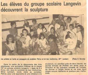 Visite de l'atelier de Pétrus et initiation à la sculpture pour les élèves du groupe scolaire
