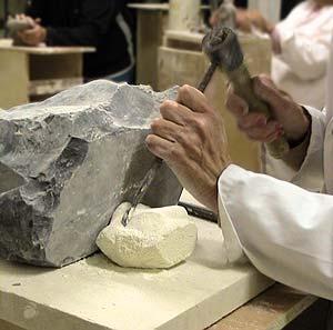 Cours de sculpture (taille directe) d'après modèle vivant