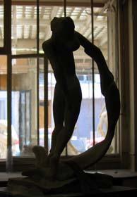 La v nus au voile sculpteur petrus atelier de sculpture for Venus au miroir