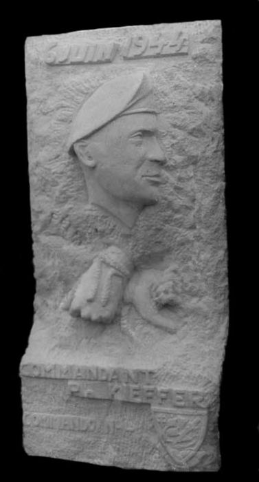 stèle en pierre