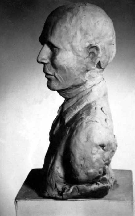 création d'un buste militaire