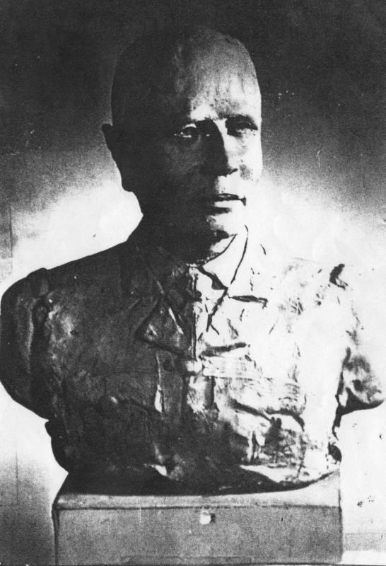 Modelage du buste du Général Paul Bourget