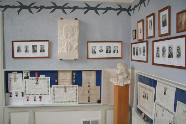 La stèle exposée au Musée du Château de Flers de l'Orne