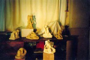 1999 - Les sept sculptures dans l'atelier parisien avant leur départ pour le Japon