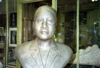 Modelage du buste de Mme Gankou