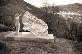Le Monument de la Résistance de l'Est-Varois Promenade du Mont Jolet (Claviers, Var)
