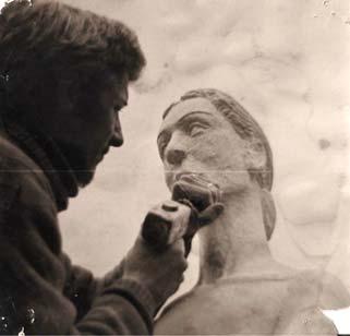 Photo : Olivier Pouillard, Studio Véronique (La Ferté Macé, Orne) Le visage de la femme du monument