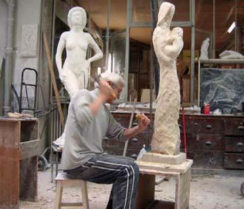 17/01/2007 - L'artiste finalise, toujours en taille directe, les détails de cette