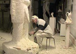 La statue dans l'atelier