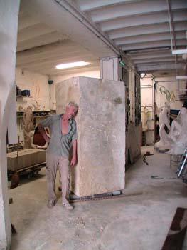 Pétrus profite enfin de son bloc de pierre...