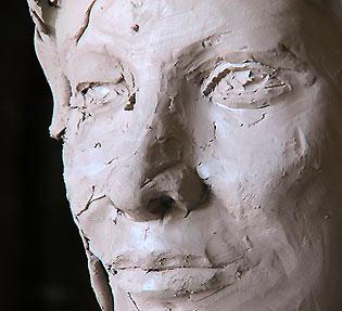 Esquisse en terre pour un buste en bronze