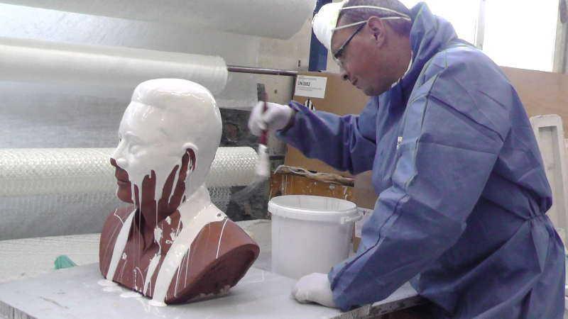moulage du buste avant coulage en bronze
