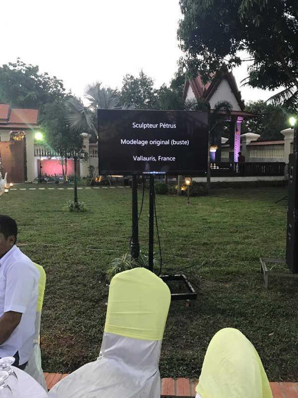 Le buste est inauguré au Cambodge