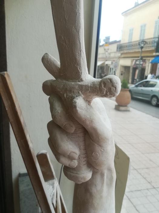Restauration de la main et de l'épée