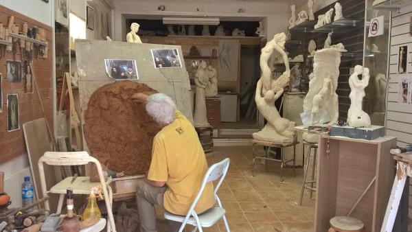 début de la sculpture en bronze