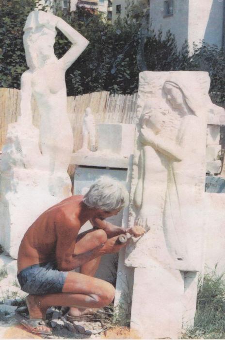 Création de la stèle en taille directe