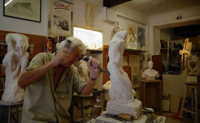 La sculpture de nu en taille directe