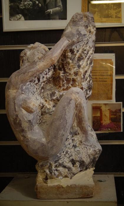 Sculpture de nu féminin
