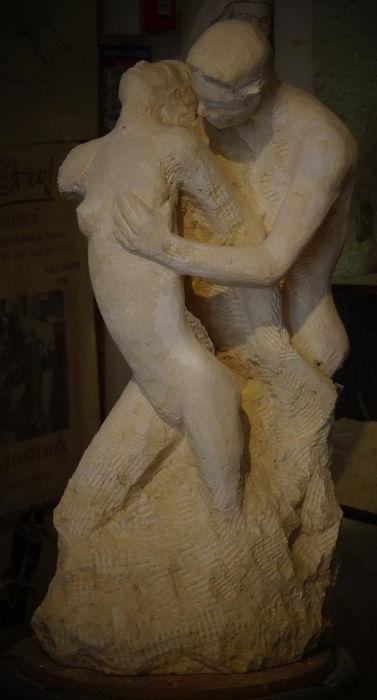 Sculpture représentant un couple